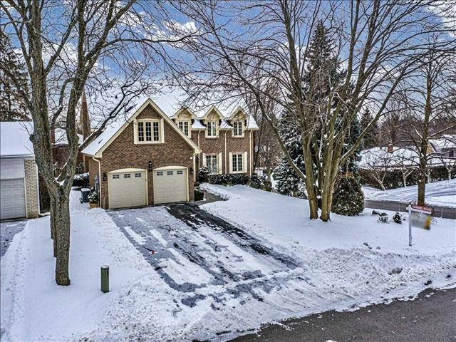 25 Forest Park Cres